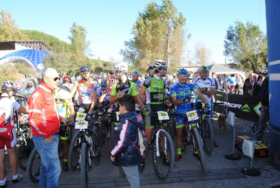 Trofeo Mtb Terra di Fuoco 2014 preparativi per la partenza