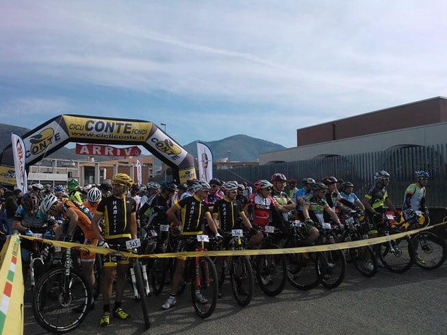 Marathon dei Monti Aurunci 2014 preparativi per la partenza da Fondi
