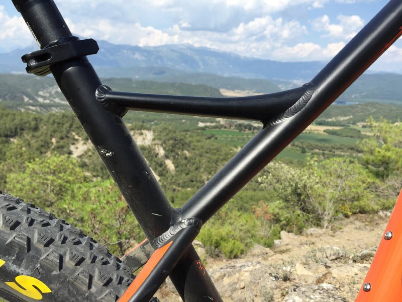 2016-Orbea-Loki-trail-hardtail-275plus-or-29er-mountain-bike04