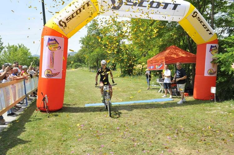 Monte Cucco 2015 arrivo Rocchetti