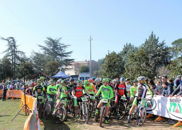 Marathon Castel del Monte partenza 2015