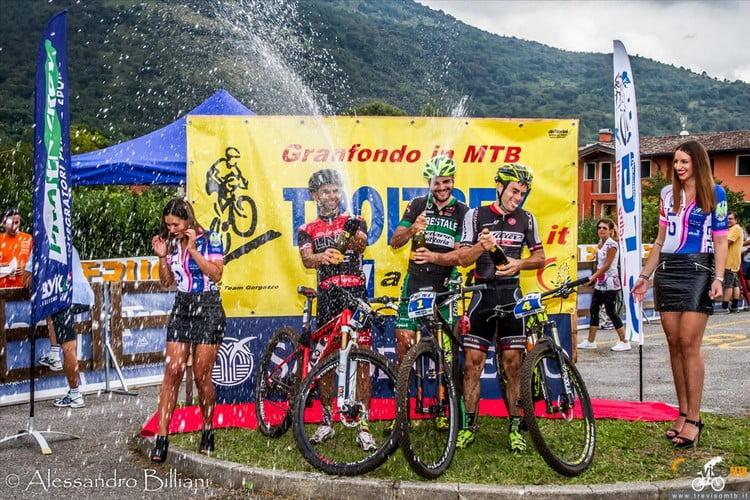 TroiTrek16-5969_930_podio