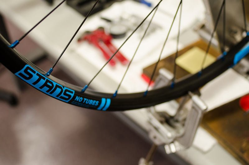 stans-notubes-custom-wheel-program-1
