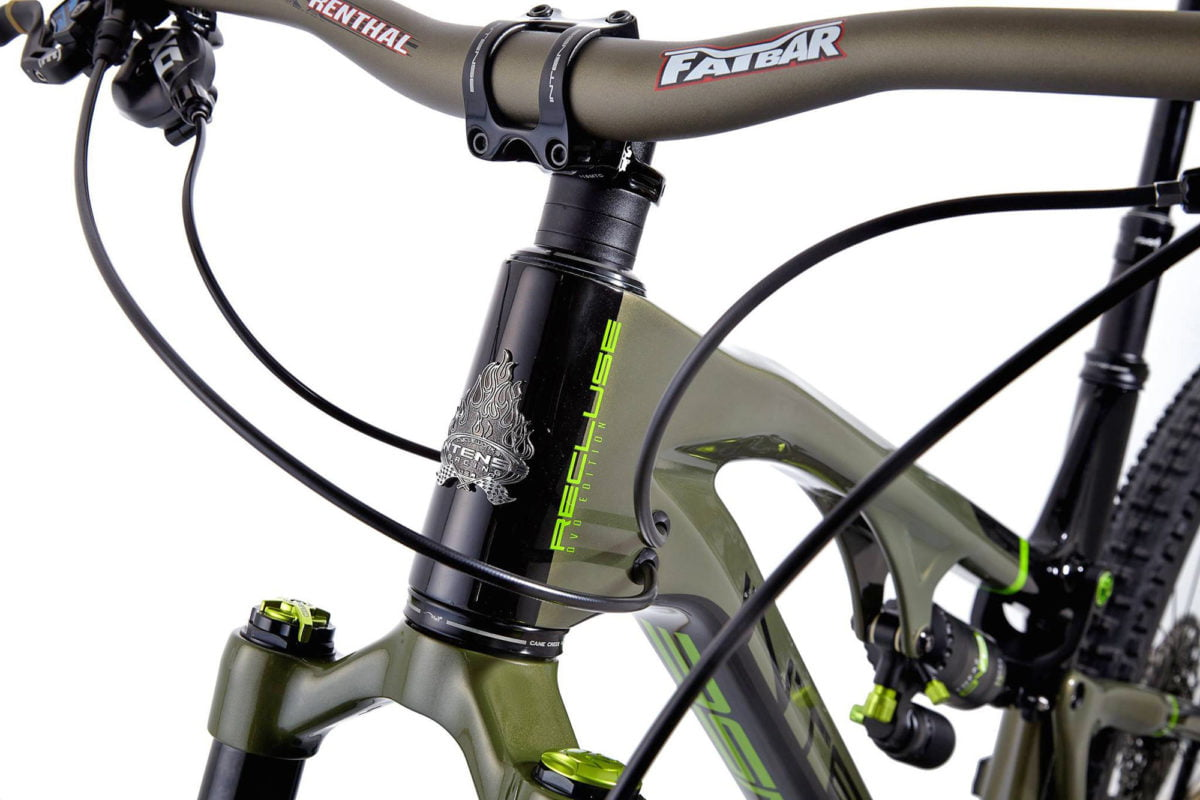 Intense-Recluse-DVO_limited-edition140mm-travel-22-5-all-mountain-trail-bike_front-end