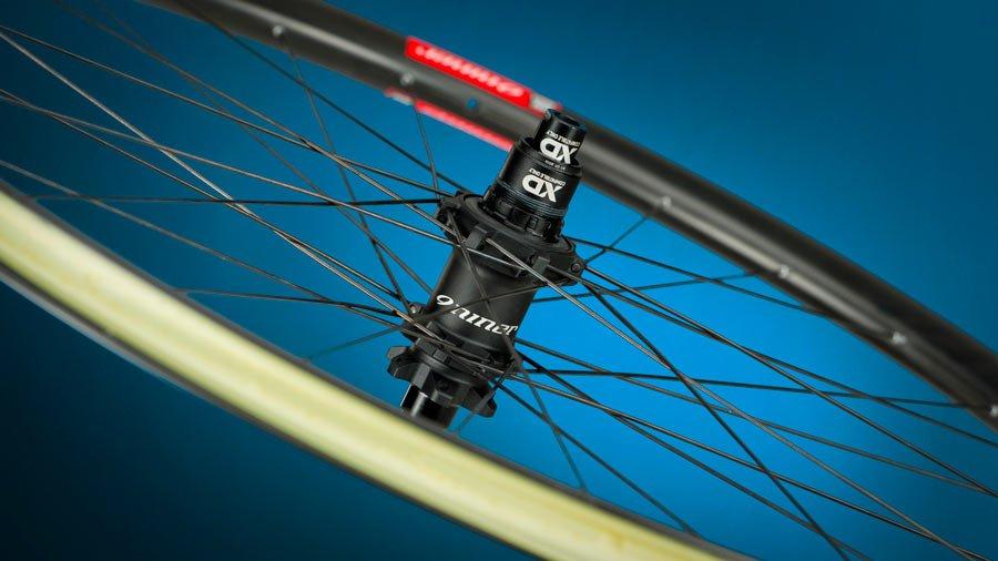 Niner-Carbon-MTB-mountain-bike-wheelset01