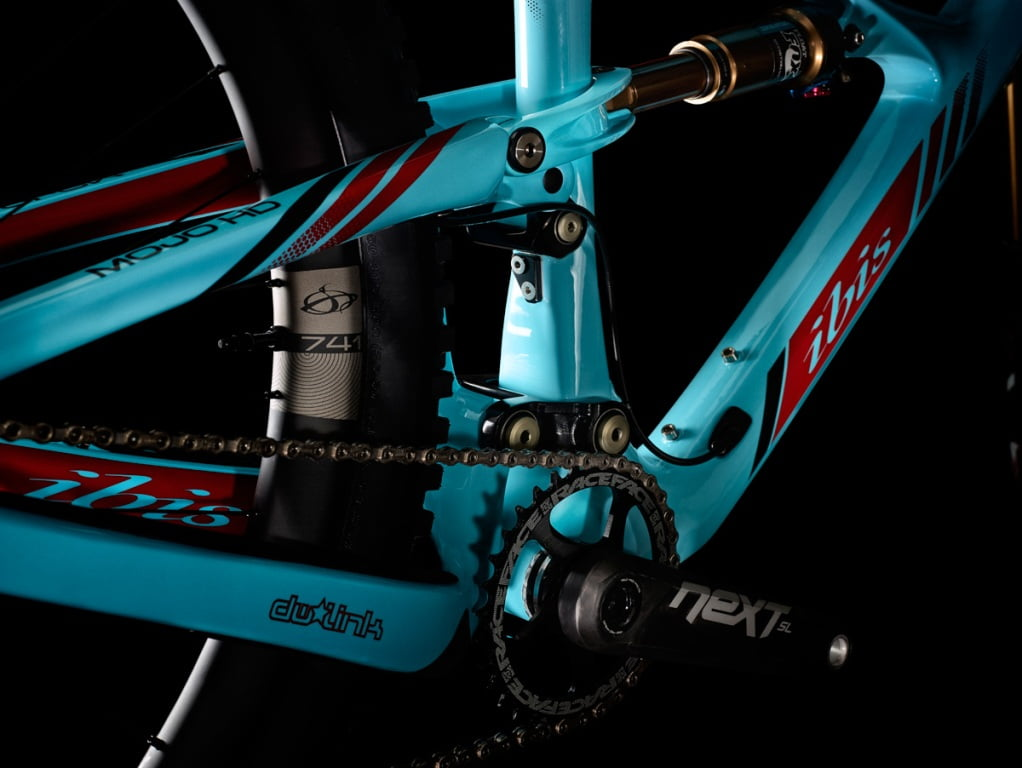 Mojo-HD3-Side-Blue-Pivot_lb