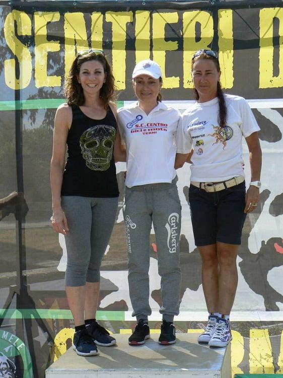 Sentieri dei Lupi 2015 podio femminile medio