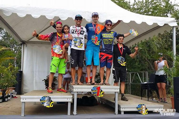 megareunion15-podium