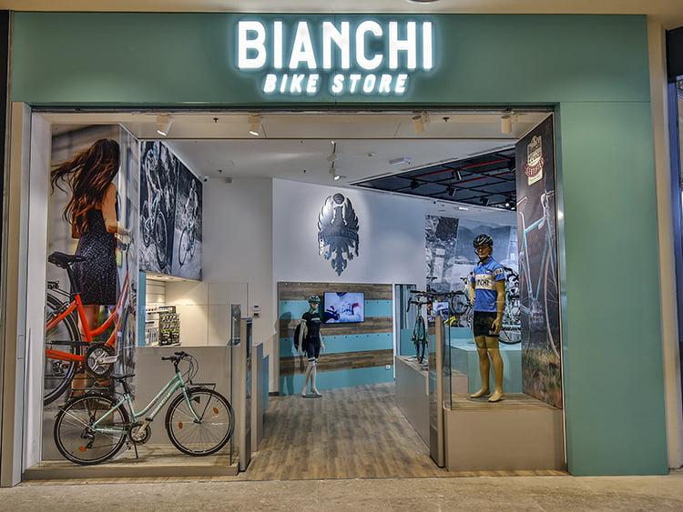Bianchi Bike Store - Centro Commerciale Il Centro - Arese - 13/04/2016 - foto Luca Bettini/BettiniPhoto©2016