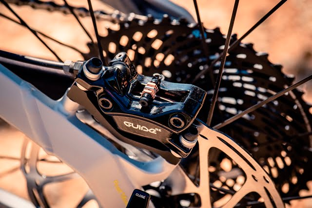 SRAM_GUIDE_RE_CAr