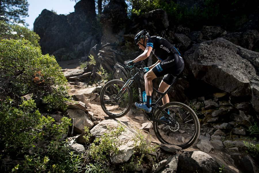 2017-Giant-Anthem-mountain-bike-action