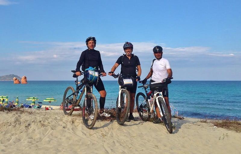 Edizione di settembre 2016 del Sardinia Divide. Conclusione con arrivo in spiaggia dei partecipanti sassaresi
