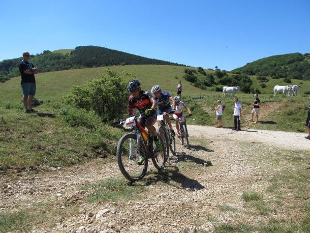 ciclisti-impegnati-all-umbria-marathon