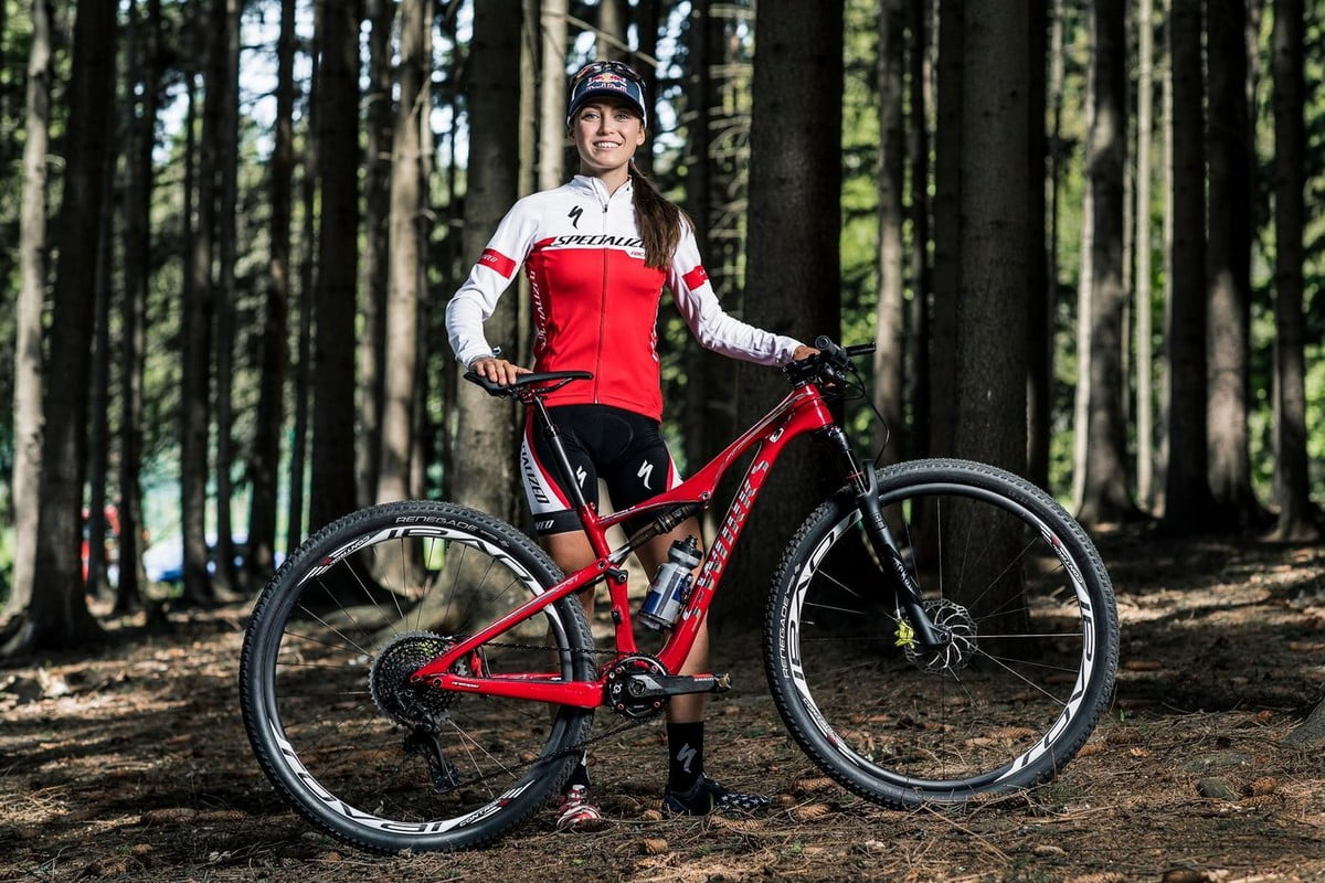 Kate Courtney - Specialized S-Works Era