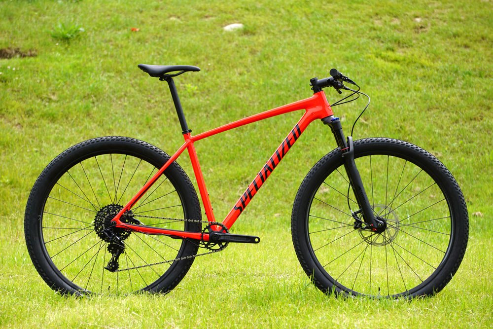 2018-Specialized-Chisel-smartweld-alloy-hardtail-mountain-bike01