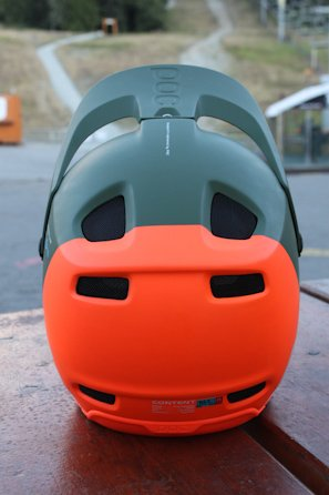 POC-SPIN-Coron-air-rear