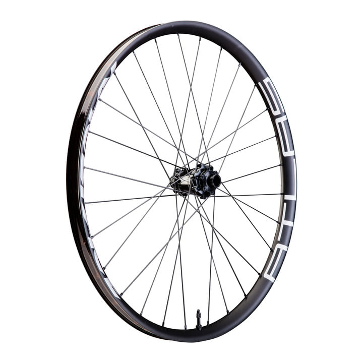 Race-Face-Atlas-wheels-carbon-bar-2018-10