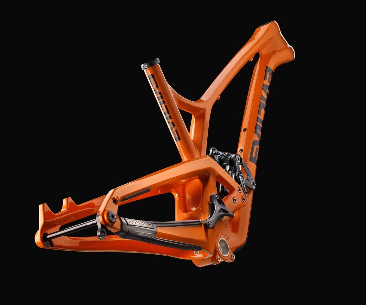 evil-following-mb-smashing-pumpking-frame-rear