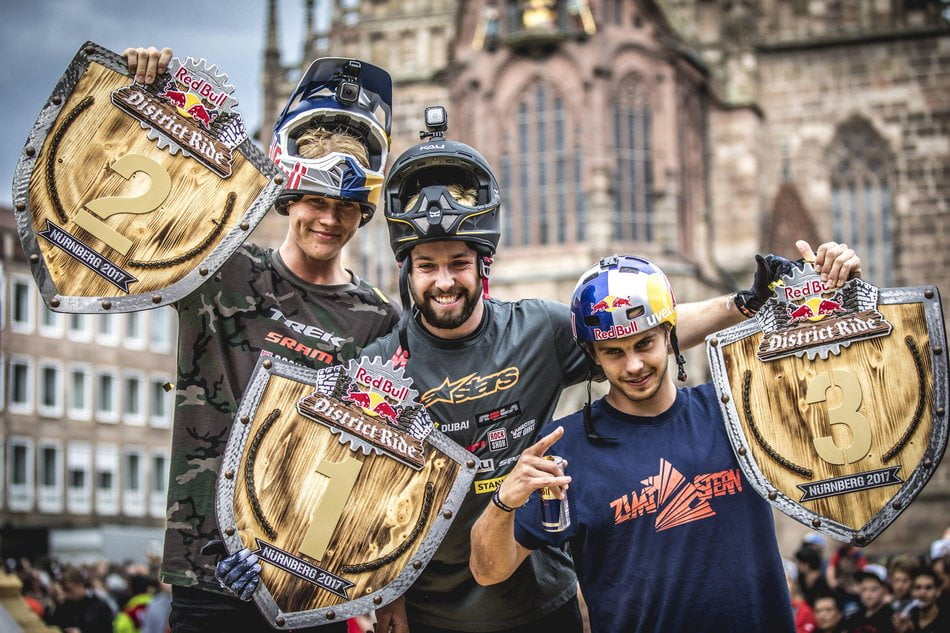 winners-@-red-bull-district-ride